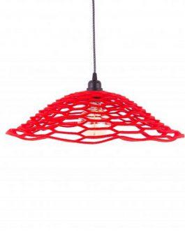 Czerwona ażurowa lampa wisząca filcowa w industrialnym stylu