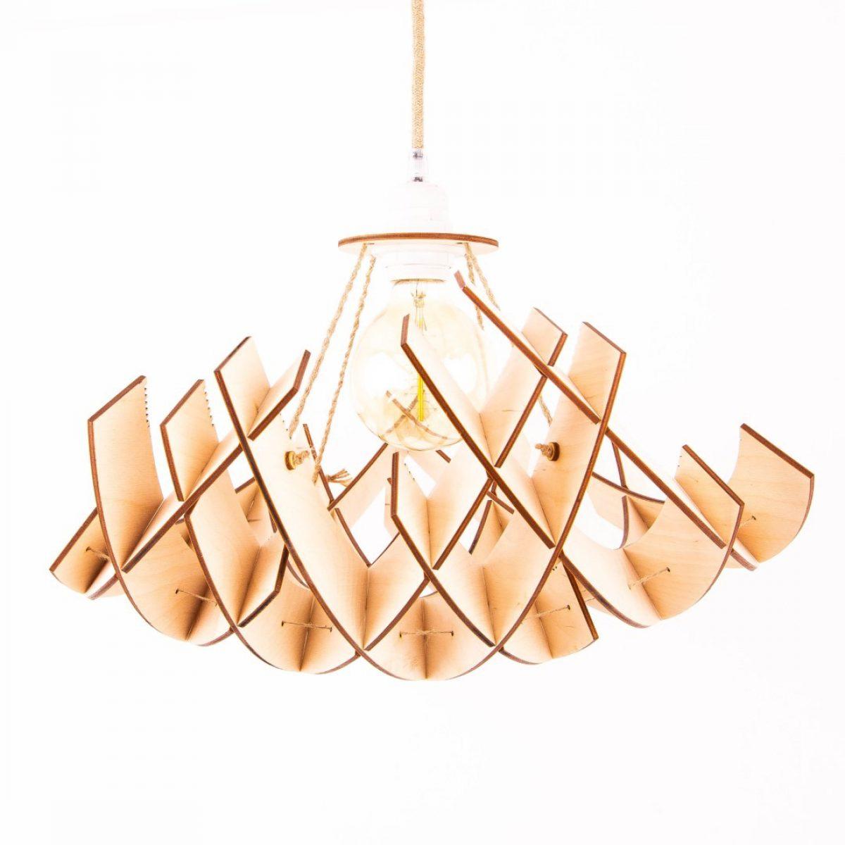 lampa drewniana sufitowa