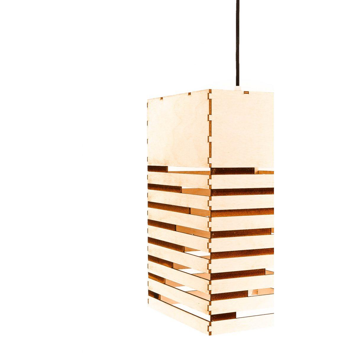 drewniany żyrandol