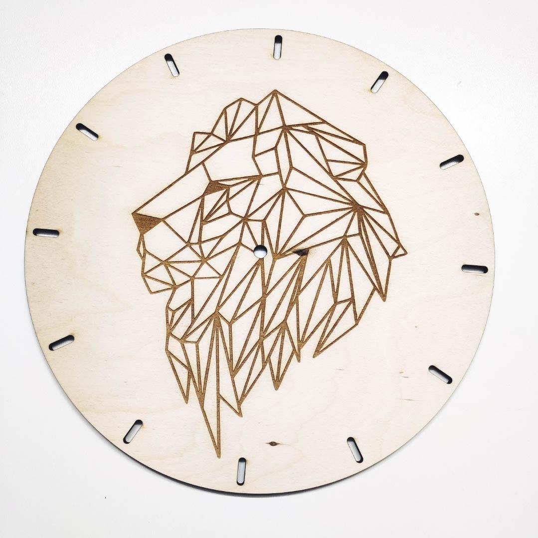 zegar z lwem
